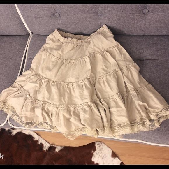 Zara Dresses & Skirts - Cream skirt size 4 Japanese style